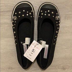 Brand New Xhilaration Black Flats Size 5 1/2